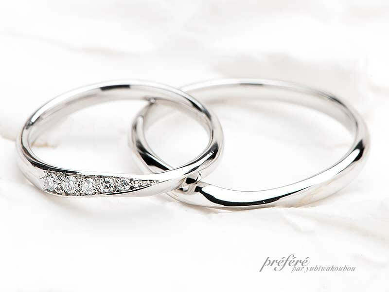 表面にダイヤモンドを入れたデザインの結婚指輪