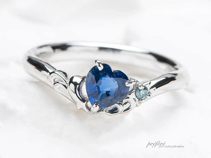 サファイアを使った婚約指輪