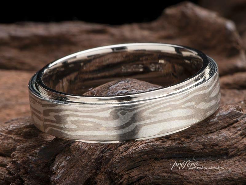 段付きストレート形状の結婚指輪