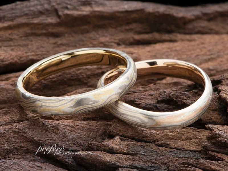 優しい雰囲気の木目金デザイン結婚指輪